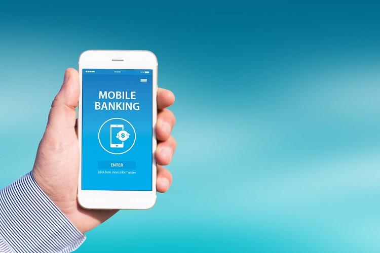 Cách chuyển tiền online bằng Mobile banking hoặc Internet banking